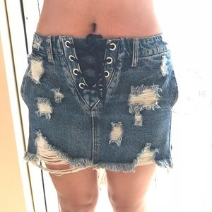 Distressed Jean Skirt 🔥